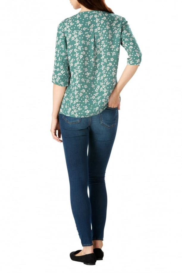 Tula V-Neck Floral Top